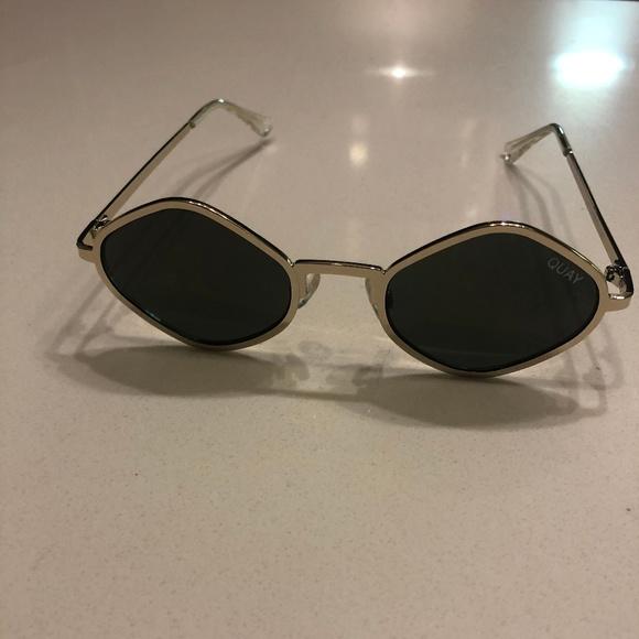 7dae0a2aaa Quay Australia Small Gold Sunglasses. M 5cad63bbd40008a721a3582a